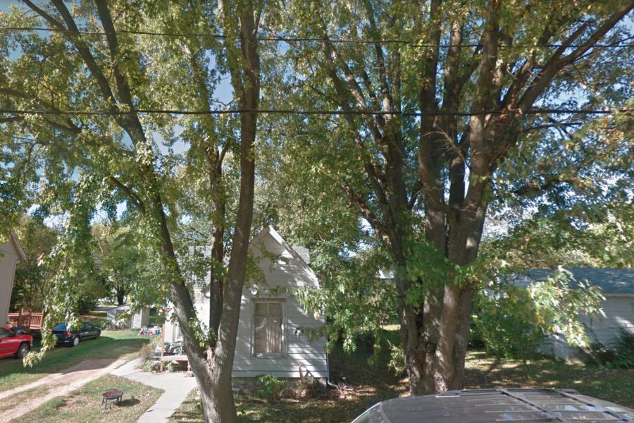 113 Douglas Ave., Dixon, IL 61021